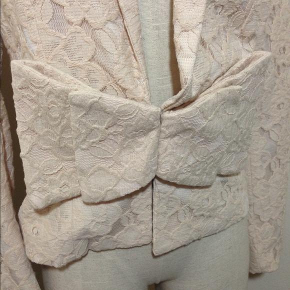 H&M Jackets & Coats - H&M bow front Structured Lace Blazer | Sz 10
