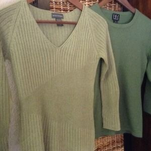 Green Sweaters Size Small