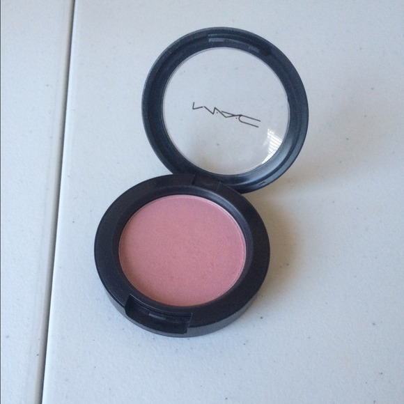 Mac Blush in Well Dressed