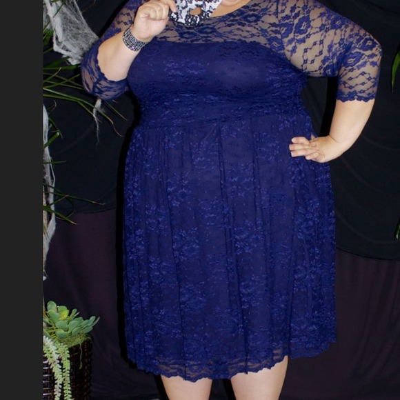 Plus Size 4X Scalloped Lace Dress by Kiyonna