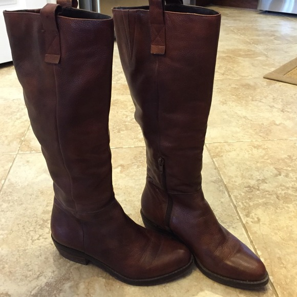 380d1e65c926 Arturo Chiang Boots -   Price Reduced   Arturo Chiang brown riding boots