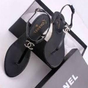 Worn 2x looks brand new Chanel sandals