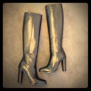 Donald Pliner Signature size 6 Tata boots!
