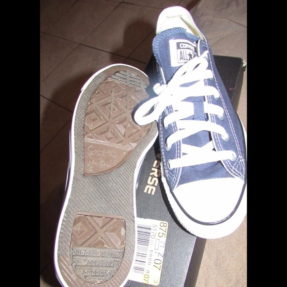 womens converse shoes size 7.5