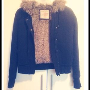 anchor blue Outerwear - Black Faux Fur-Lined Jacket size X-Small
