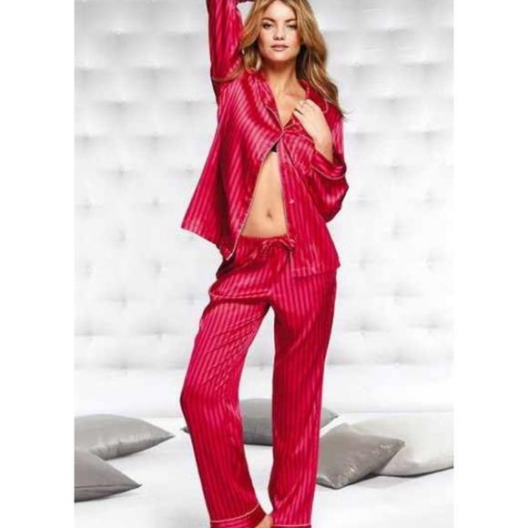 Victoria s Secret Satin Pajama Set w  Slippers. M 548b976fe6d0c305520401c1 185f1c699