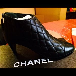 Short Boots CHANEL