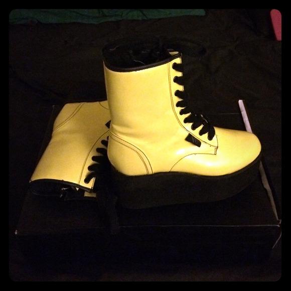 YRU Shoes | Neon Yellow Platforms