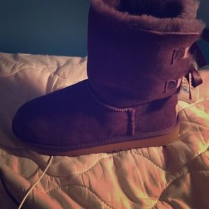 UGG boots . Size 6