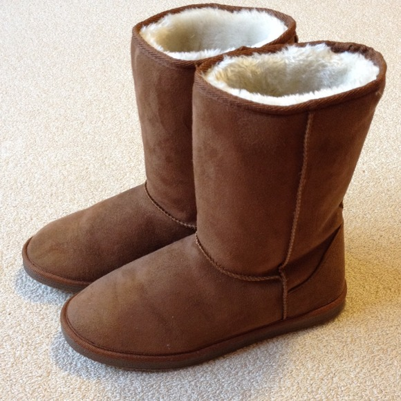 515bcb877f2 Chestnut brown faux suede winter boots