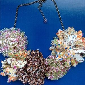 THE Anthro flower necklace