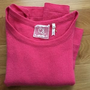 Pink Cashmere sweater. New!