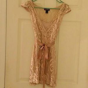 Dresses & Skirts - Pretty light pink lace dress size small