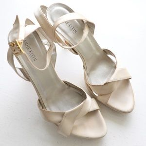 Additional pics Anne Klein New York Strappy shoes