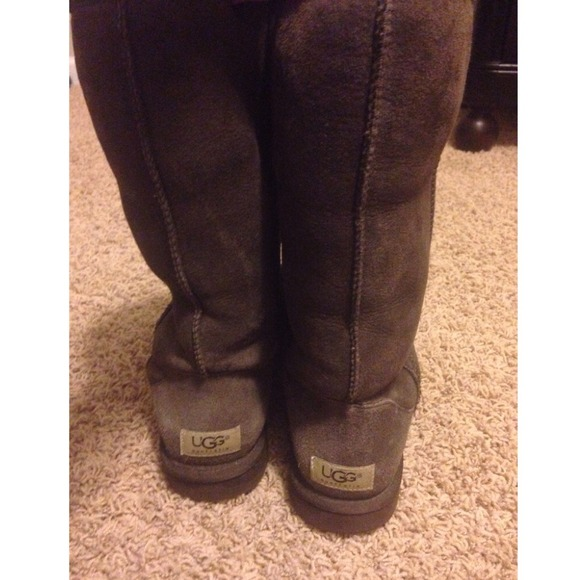 Brown Uggs Grey Leggings