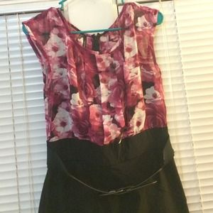 Sleeveless Fitted Floral & Black Dress