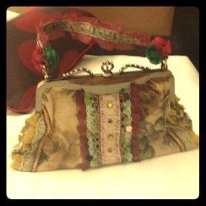 Handbags - Vintage HAND BAG VERY INTRICATE DESIGN