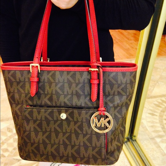 019508a8f716a1 Michael Kors Bags | Jet Set Large Snap Pocket Tote | Poshmark