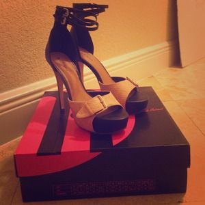 michael antonio high heels