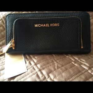 New Michael Kors Bedford DBL Zip BLK wallet