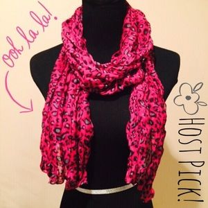 Accessories - NEW Lightweight Leopard Crinkle Scarf in Hot Pink
