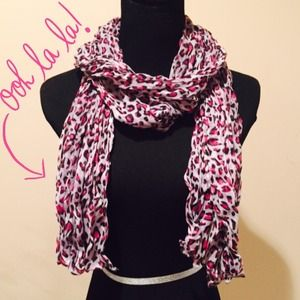 Accessories - NEW Lightweight Leopard Crinkle Scarf in Grey