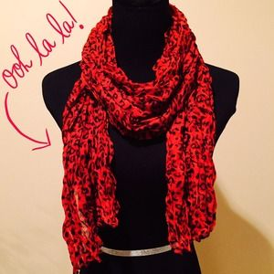 Accessories - NEW Lightweight Leopard Crinkle Scarf in Crimson