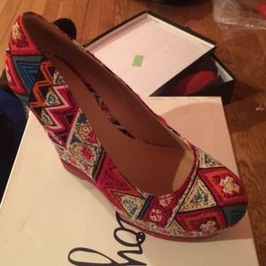 Shoes - Tribal wedge