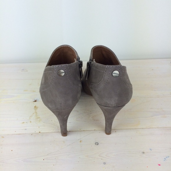 Vince Camuto Shoes - Vince Camuto Vala Bootie in Grey Suede