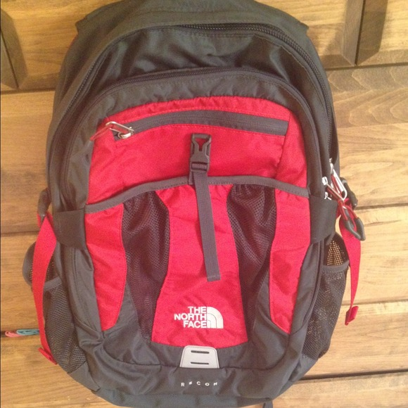 b3501dff3df The North Face Other   Gently Used Nf Recon Backpack   Poshmark