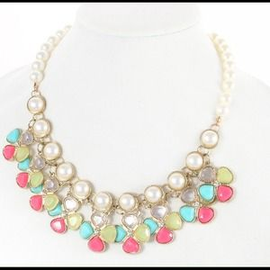 Pearl and mixed rhinestones necklace