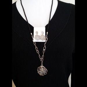 Jewelry - SALE🌺gift set🎁 encased loose CZ jewlery