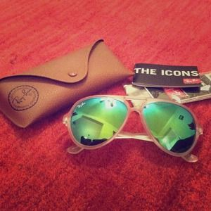 Green lenses authentic Ray-Bans