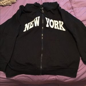 Sweaters - New York Hoodie
