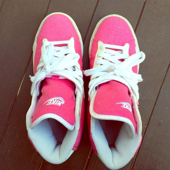 935d63df50b7 Nike blazers Hot Pink glitter high top. M 549201a7e84b03652b31215f