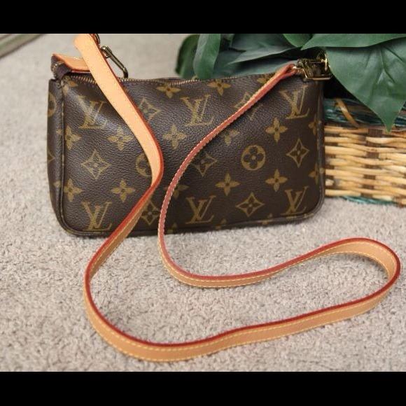 Louis Vuitton - 💯% Authentic Louis Vuitton Sling Pouch Monogram ...