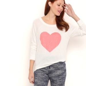 Tops - Heart shirt pink white long sleeved top sparkle