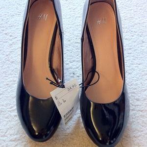 New H&M black pumps heels comfy
