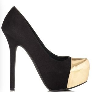 JustFab black and gold pumps