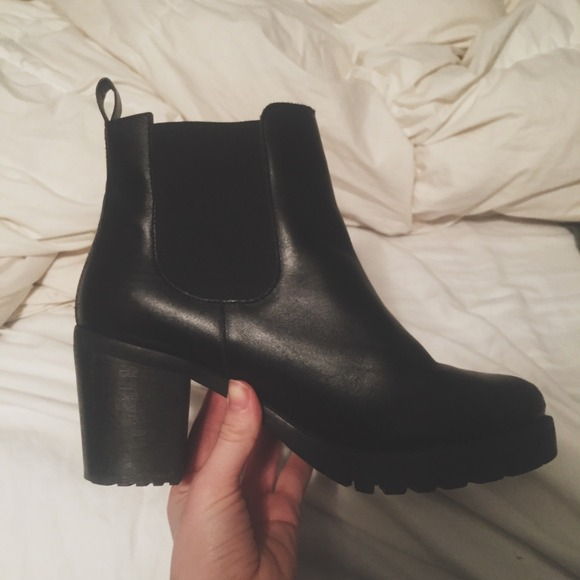 72 Off H Amp M Boots Reserved H Amp M Black Chunky Heel Chelsea