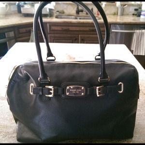 41c6f608a8b5ec Michael Kors Bags - Michael Kors Hamilton Weekender black handbag