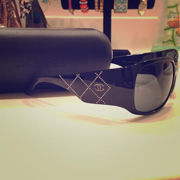 5104aefff6614 CHANEL Accessories - Chanel 5080-B c.501 87 sunglasses