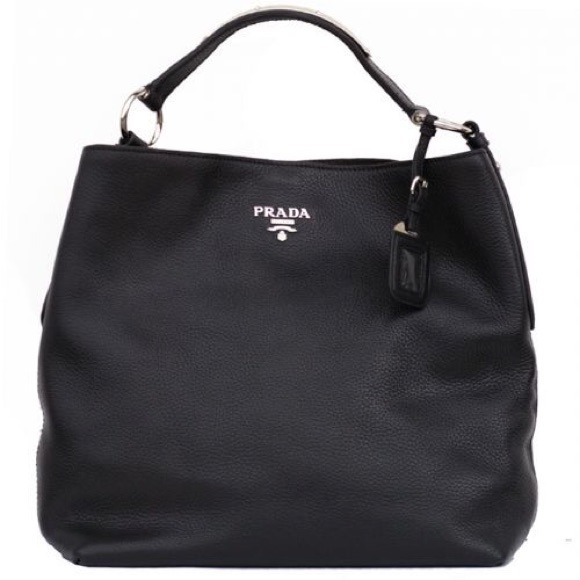 531908c8b680 Price reduced! PRADA black leather tote. Perfect! M 549703edf71a86054c0061b4