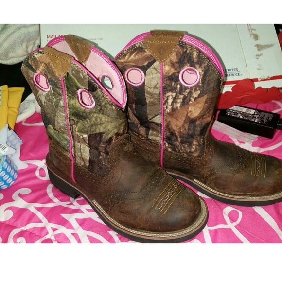 50% off Ariat Boots - LOWERED !! *Pink camo Ariat fatbaby cowgirl ...