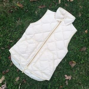 🚫SOLD J Crew Quilted Puffer Vest - Warm Bisque