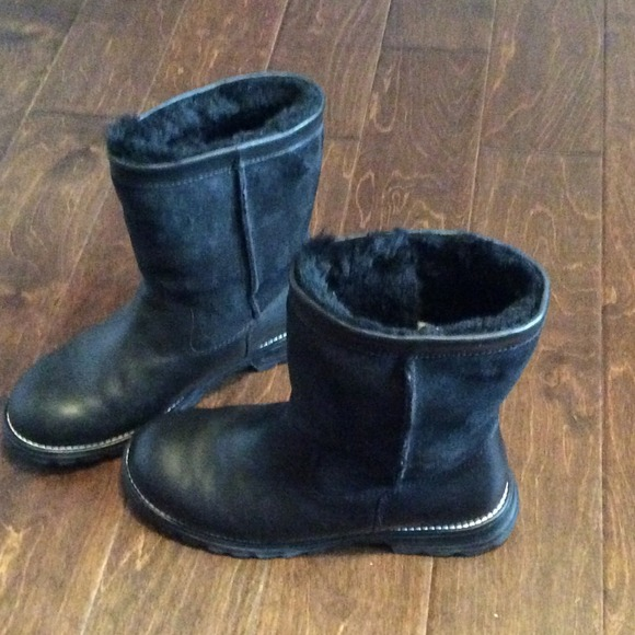 Black Leather & Suede Ugg Boots