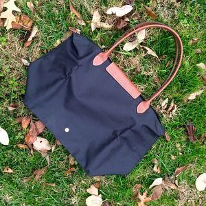 Longchamp Bags - 🚫SOLD Longchamp Large Le Pliage Tote - Black