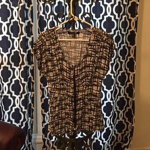 Forever 21 Tops - Forever 21 black and white zipper shirt