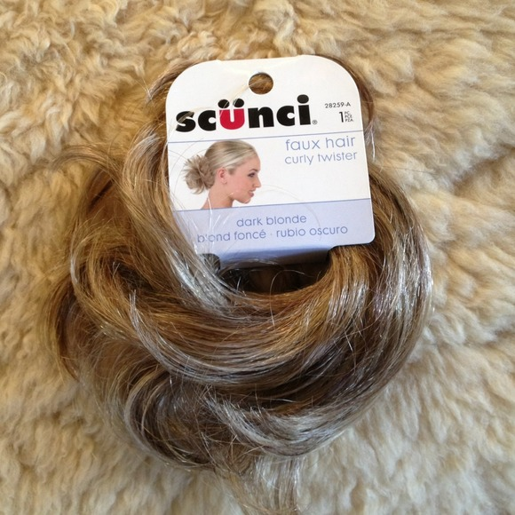 20 Off Scunci Accessories Faux Hair Curly Twister From