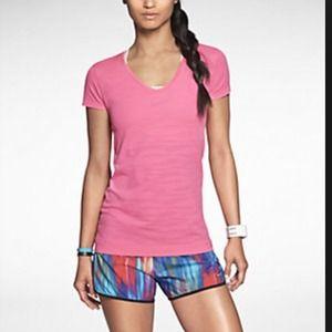 Nike breeze v neck